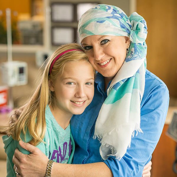Julie, Tennessee Plateau Oncology patient, and her daughter, Sarah.